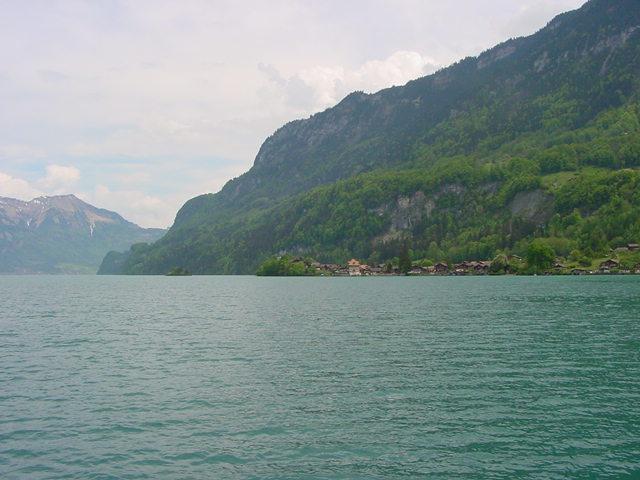 Sur les lacs de l 39 oberland bernois le lac de brienz - Lac de brienz ...